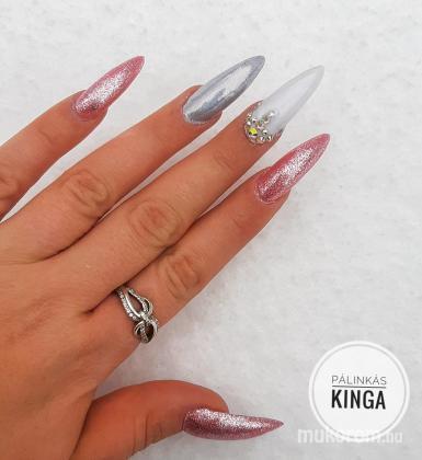 Pálinkás Kinga - Pink fehérrel és hologrammal - 2020-03-26 10:47