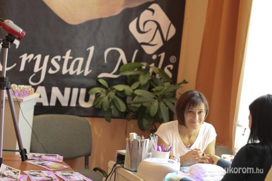Tóth Erika - Köszönet a Crystal Nailsnek a molinóért - 2011-03-10 16:44