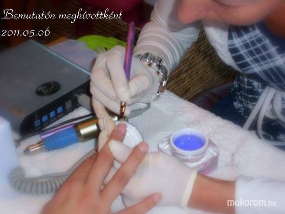 Hézsai Szilvia - Bemutatón munka közben - 2011-05-08 12:00