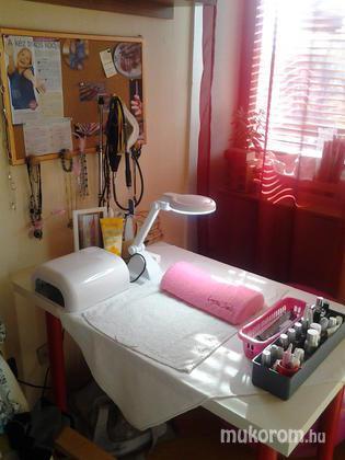 """Nail Beauty körömszalon """"crystal nails referencia szalon"""" - Családias környezetem - 2011-11-07 20:12"""