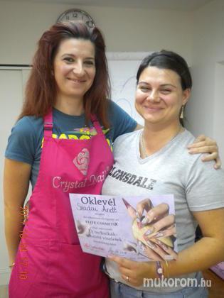 Szadai Anett - Talpig vigyorban Nikivel - 2011-12-06 00:31