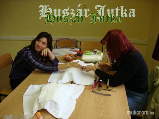 Huszár Jutka - Bajnoki körömdíszítés - 2012-01-07 00:00