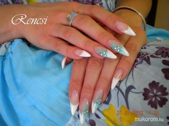 Dobi Renáta Csilla- Pinky Nails -Crystal Nails Elite referencia szalon - My favorite - 2013-01-13 19:30