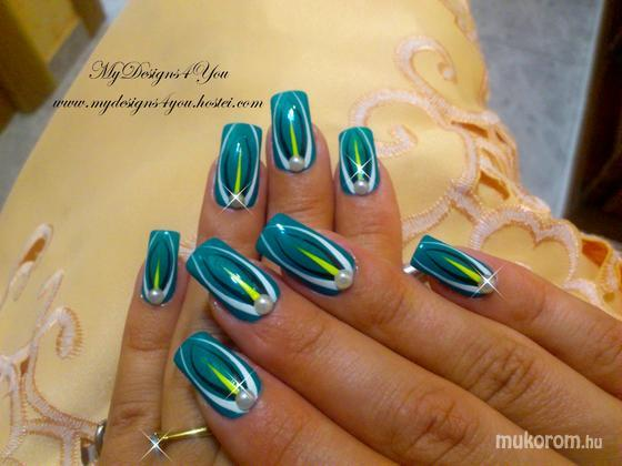 Liudmila Zacharova - Abstract Turquoise Nails by MyDesigns4You - 2013-09-20 18:03