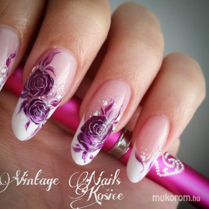 Csuri Kinga - Vintage Nails Košice - 2016-04-16 16:44