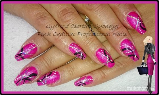 Pink nails - Kombinált műköröm díszítés
