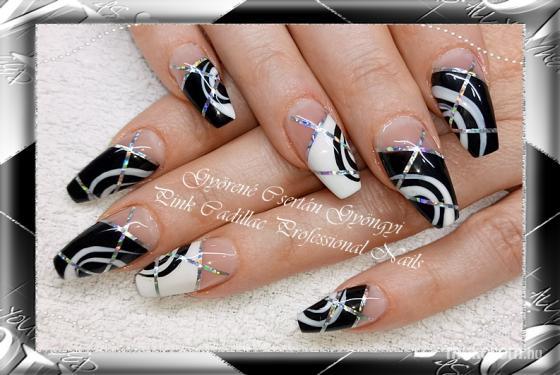 Black and white nail - Kombinált műköröm díszítés