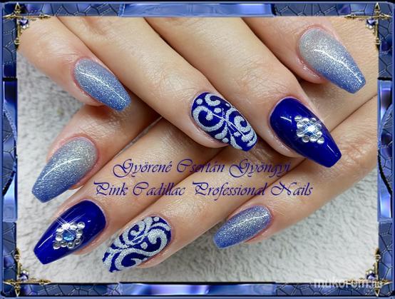 Blue nail - Kombinált műköröm díszítés