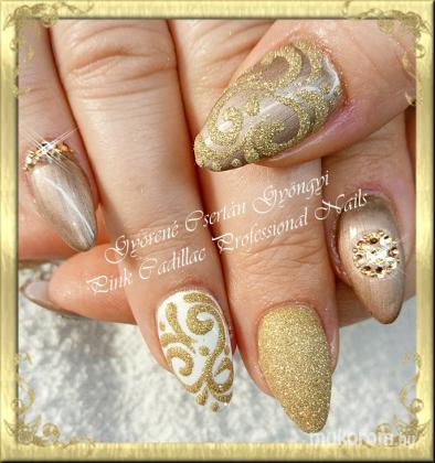 Gold nail - Kombinált műköröm díszítés