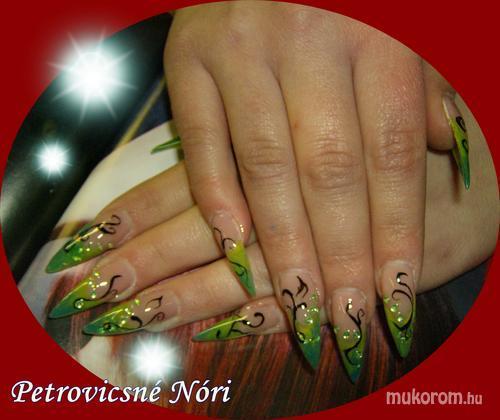 Petrovicsné  Nóri - cn katalógusban láttam  - 2011-02-16 20:09