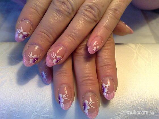 Klinkó Anett - rózsaszín vég virággal - 2011-03-18 08:52