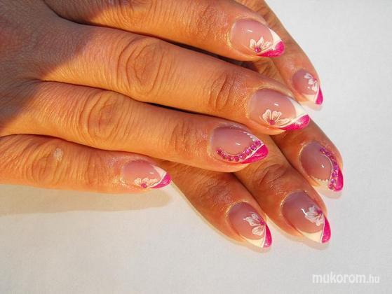 Balaton Edit - pink fehér kövekkel - 2011-06-01 18:58