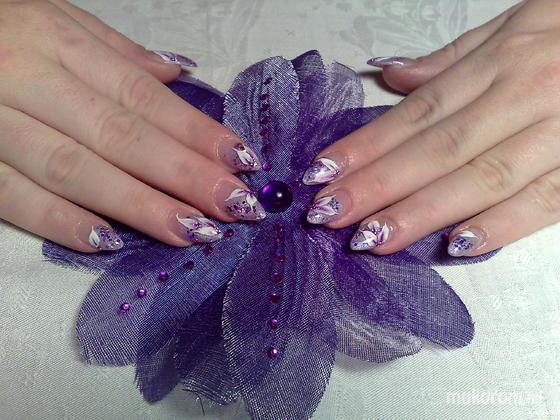 Klinkó Anett - lila lila virággal - 2011-08-18 20:32