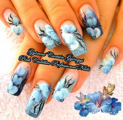 Györené Csertán Gyöngyi - Pink Cadillac Professional Nails Körömszalon - Laurának - 2011-08-28 17:34