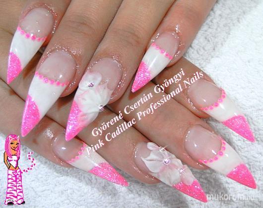 Györené Csertán Gyöngyi - Pink Cadillac Professional Nails Körömszalon - Nikinek - 2011-09-11 11:50