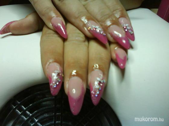 Petróczi Melinda - rózsaszín csillogás - 2011-09-25 17:04
