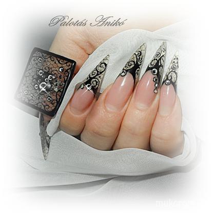 Palotásné Anikó - csipkeköröm gyűrűvel - 2011-10-14 21:15