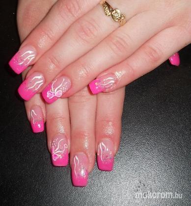 Emi - Gina rózsaszín zselés akril masnis - 2011-11-15 23:02
