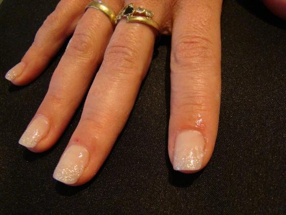 Rezicska Mária - Az első tipes körmöm zselével - 2010-05-09 15:04