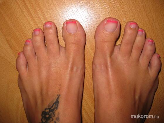 Szűcs Viktória - pink - 2011-02-17 14:52