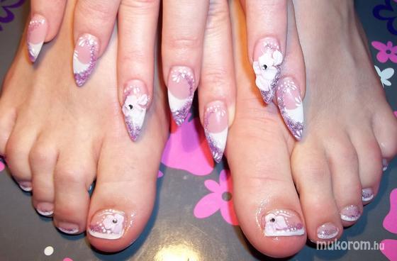 Nagy Rita - kéz ill láb - 2011-08-24 13:12