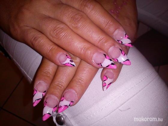 Osvát Olga - pink boci - 2012-06-24 12:13