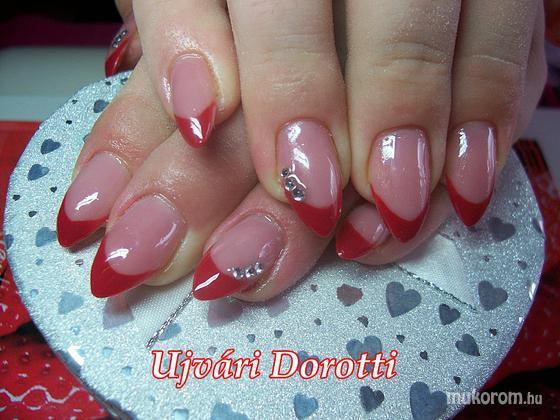 Ujvári Dorotti - piros köves - 2012-07-31 15:02