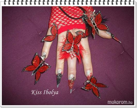 Kiss Ibolya Kovácsné - fekete-piros - 2011-01-14 20:06