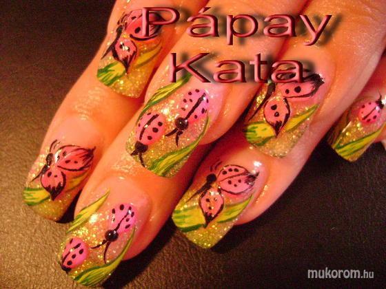 """Komm Kata (Kata Nails Stúdió)""""Crystal Nails Referenciaszalon"""" - katicás - 2011-01-22 11:44"""
