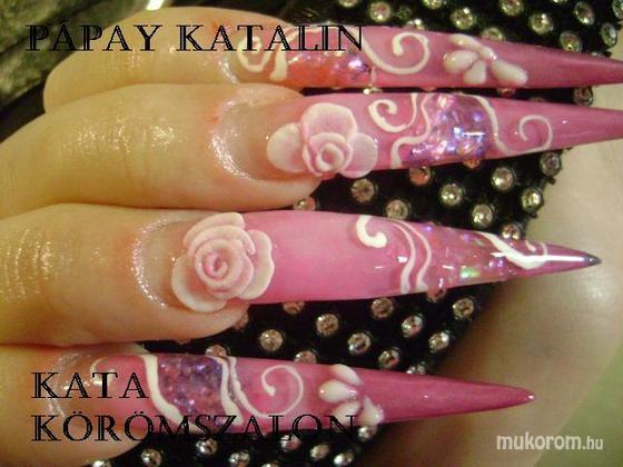 """Komm Kata (Kata Nails Stúdió)""""Crystal Nails Referenciaszalon"""" - elég hosszú - 2011-01-22 13:16"""