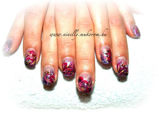 Art4you Nails - in dark - 2011-01-24 10:35
