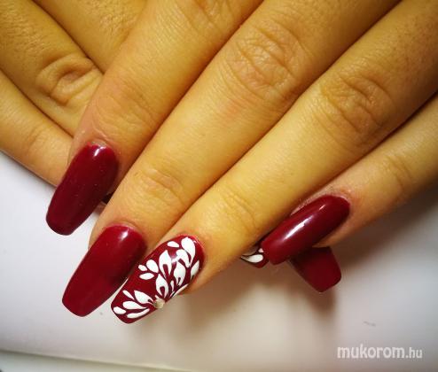 p cser klaudia nail artist   sopron