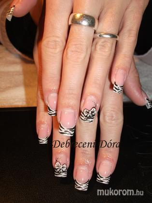 Debreceni Dóra - zebra - 2011-02-16 16:49