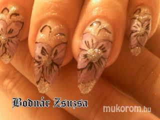 Bodnár Zsuzsanna - virágos - 2011-03-23 21:43