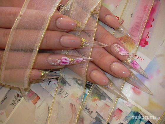 Berki Erika - Ivett porcelán - 2011-04-04 17:54