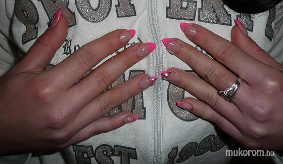 Czakó Tímea - pink  - 2011-04-25 17:56