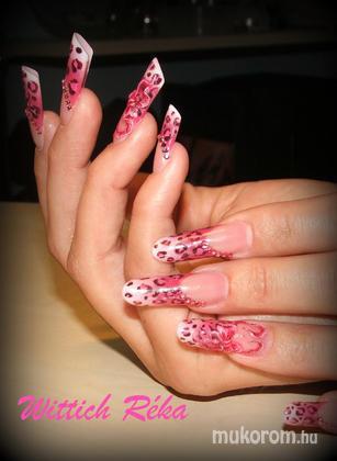 Wittich Réka - PIPE és rózsaszín leopárd minta - 2011-05-17 18:42