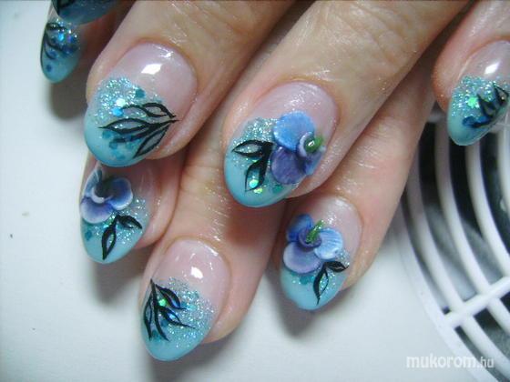 TOKAJI TÜNDE - kékvirág - 2011-05-27 20:56