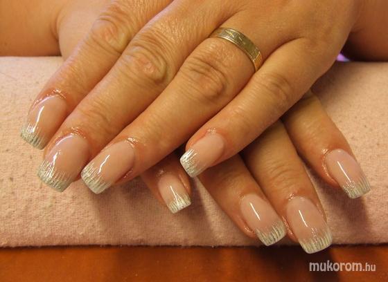 Miksa Brigitta - porci fehér ezüst díszítéssal - 2011-07-02 22:48