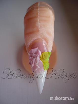 Homolya Kriszti - porcelán rózsa gyakorlása - 2011-09-07 17:06