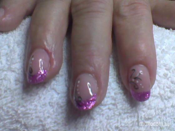 """Nail Beauty körömszalon """"crystal nails referencia szalon"""" - porci - 2011-09-15 18:34"""