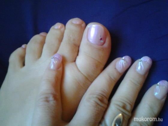 """Nail Beauty körömszalon """"crystal nails referencia szalon"""" - egymáshoz illőn - 2011-09-15 18:46"""