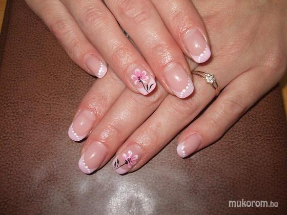 Németh Gyöngyi - Halvány rózsaszín - 2011-09-21 10:53