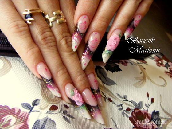 Bencsik Mariann - virágos - 2011-10-02 13:18