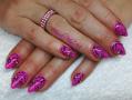 Pink fekete mintás mandula