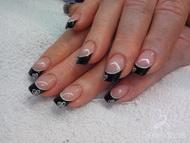 Best Nails - corazon en negro