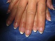 Best Nails - arany fehérrel