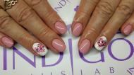 pasztell rózsaszín és szívecske pöttyök