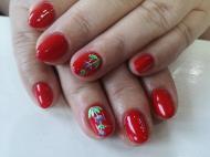 Piros zselével festett díszítéssel