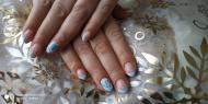 Kék fehér virágos